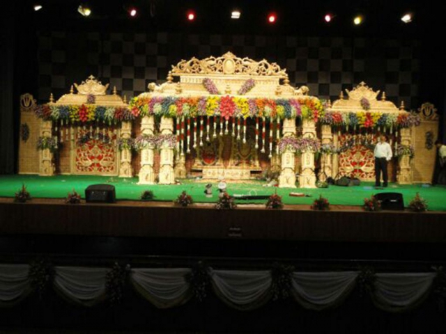 flower decorations for wedding stage