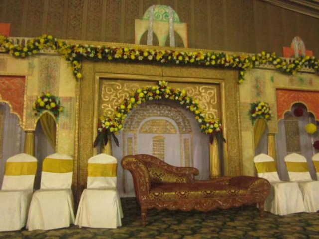 simple flower decorations for marriage