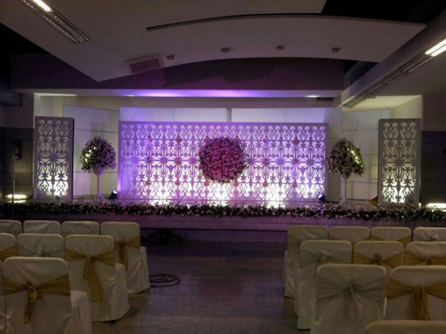 simple flower decorations for wedding reception