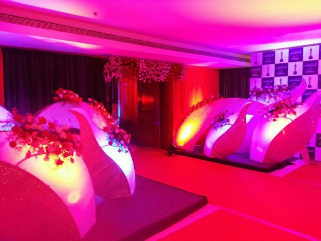 simple flower decorations wedding reception