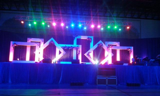 stage decorators bangalore zzeeh