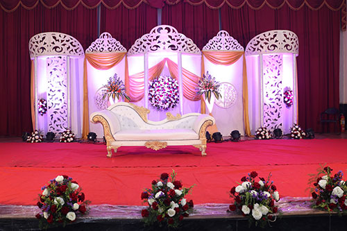 the wedding decorator